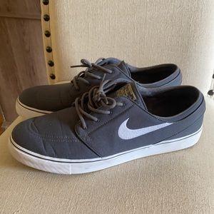 Nike SB Zoom Janoski Canvas Sneakers Gray 13